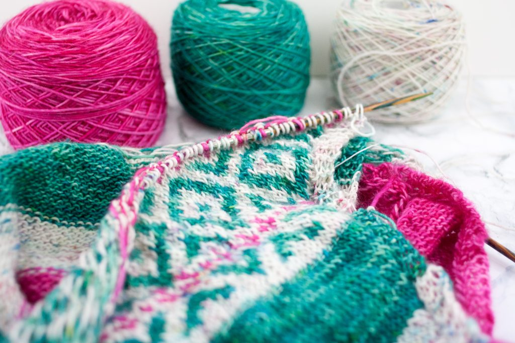 New skills are always a challenge - A fair-isle shawl story.