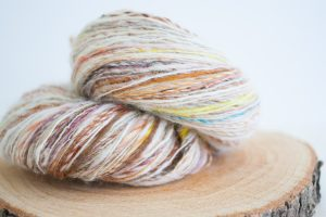 Fluffy Maco-merino batts spun into a barber-pole single yarn. I can already picture it, can you ?